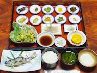 「鶯」 山菜12品